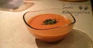 Zupa krem z czerwonej soczewicy z pomidorami