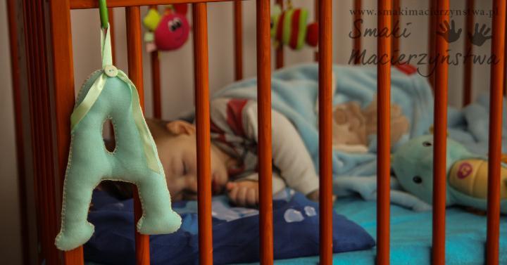Dziecko budzi się co godzinę? Sprawdź dlaczego!