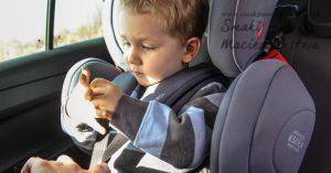 Podróż samochodem z dzieckiem: 5 sprawdzonych rad jak przetrwać