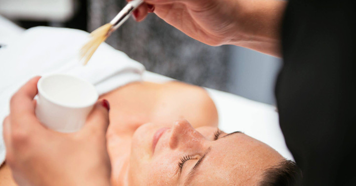 W ciąży u kosmetyczki: które zabiegi są w 100% bezpieczne?