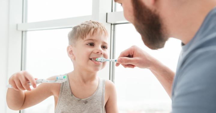 Jak przekonać dziecko do mycia zębów?