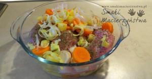 Łopatka z królika z warzywami